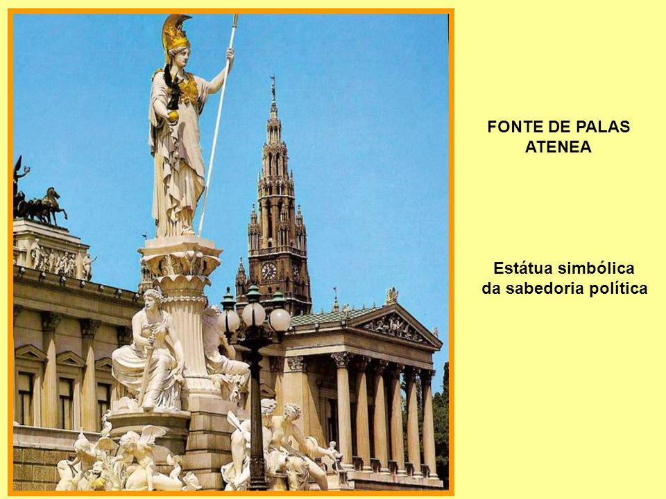 FONTE DE PALAS ATENEA Estátua simbólica da sabedoria política