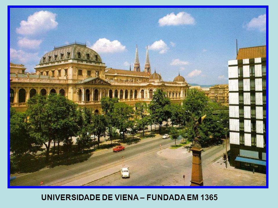 UNIVERSIDADE DE VIENA – FUNDADA EM 1365