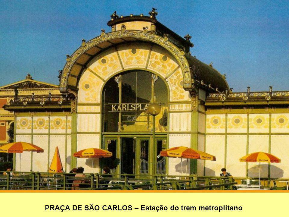 PRAÇA DE SÃO CARLOS – Estação do trem metroplitano