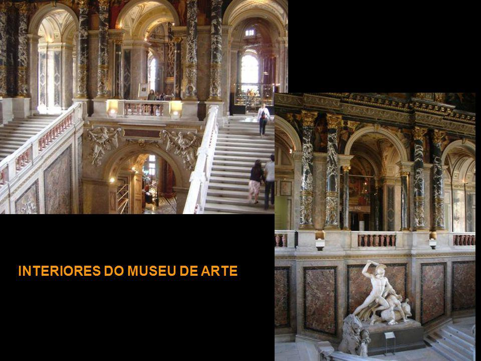 INTERIORES DO MUSEU DE ARTE