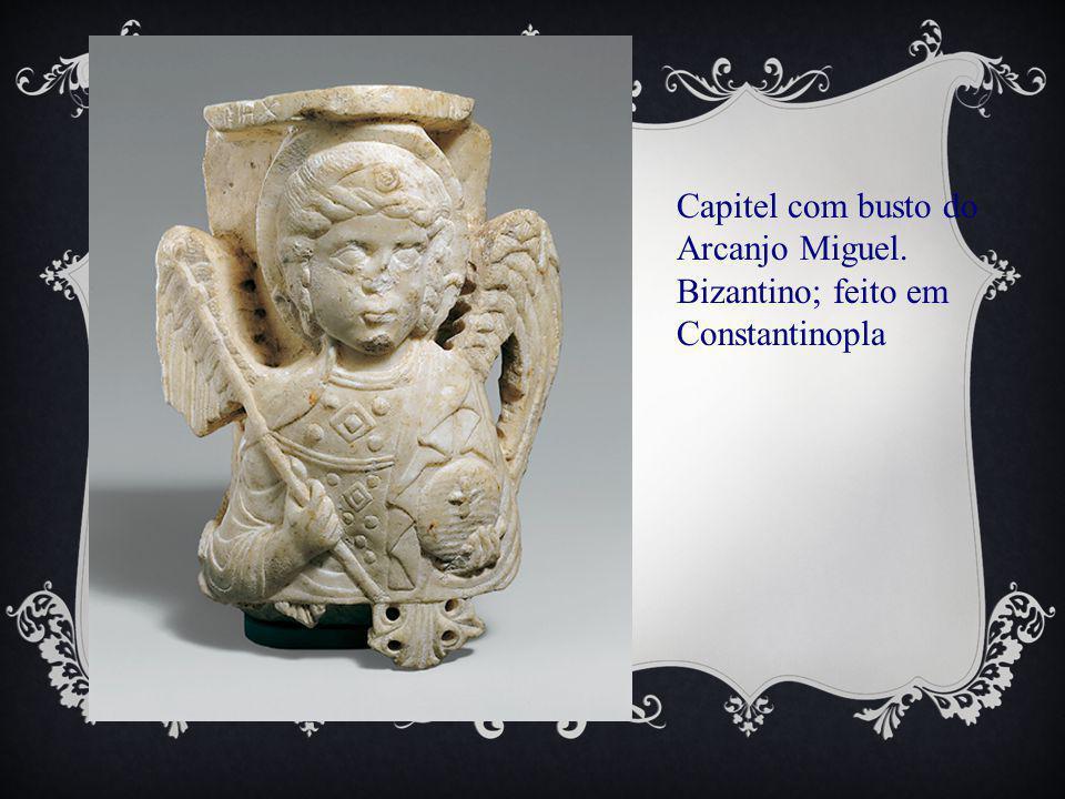 Capitel com busto do Arcanjo Miguel. Bizantino; feito em Constantinopla
