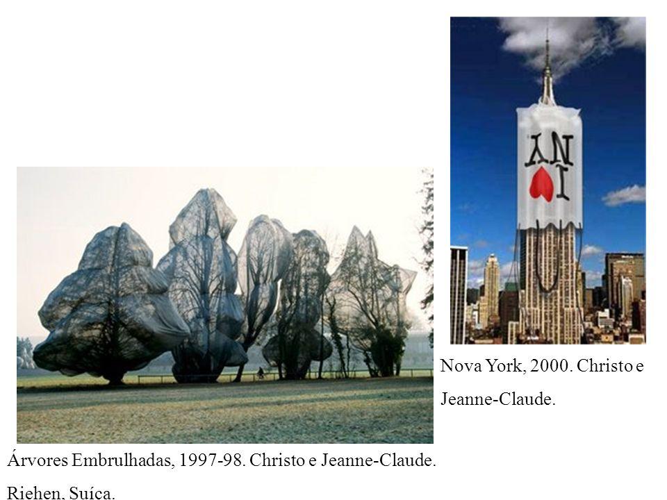 Nova York, 2000. Christo e Jeanne-Claude. Árvores Embrulhadas, 1997-98.
