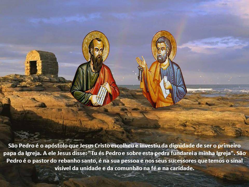 São Pedro é o apóstolo que Jesus Cristo escolheu e investiu da dignidade de ser o primeiro papa da Igreja.