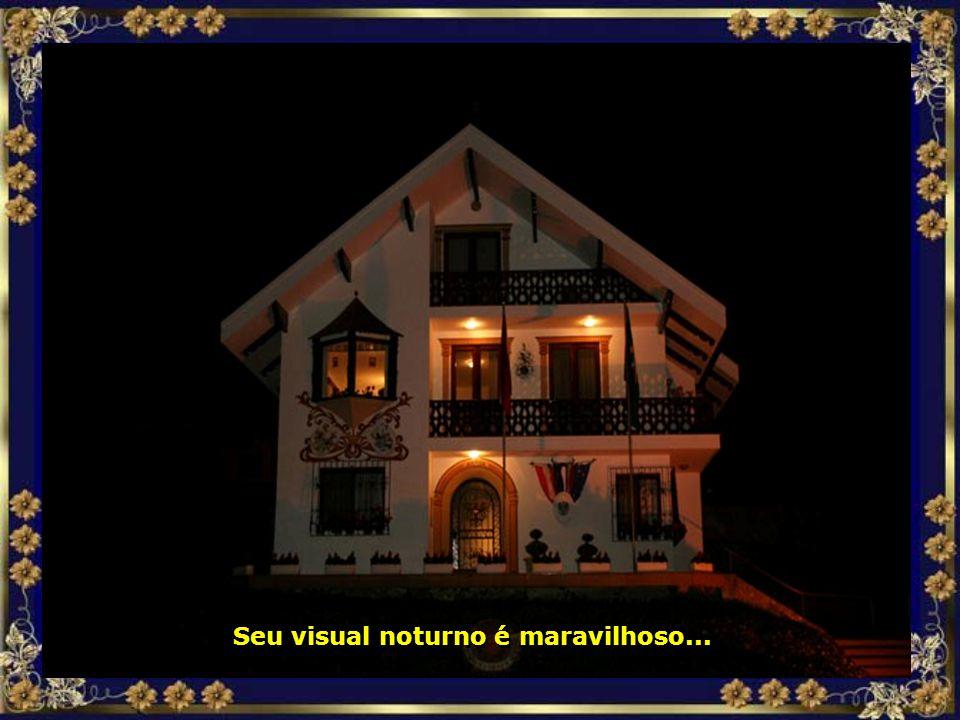 Seu visual noturno é maravilhoso...