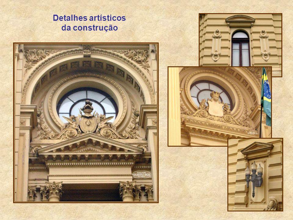 Detalhes artísticos da construção