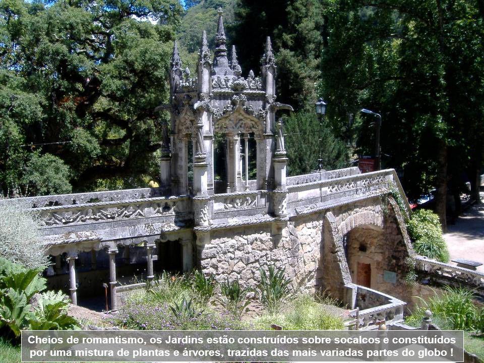 Cheios de romantismo, os Jardins estão construídos sobre socalcos e constituídos por uma mistura de plantas e árvores, trazidas das mais variadas partes do globo !