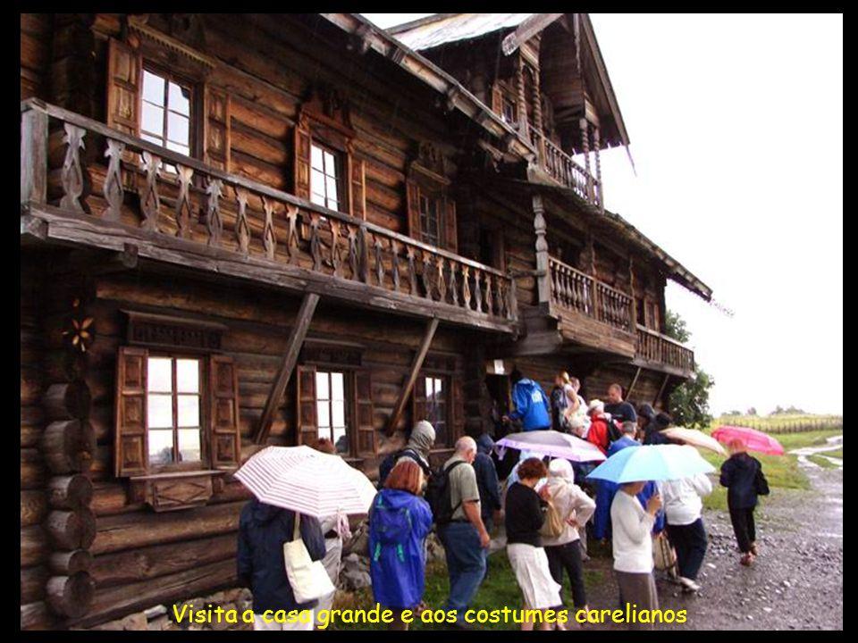Visita a casa grande e aos costumes carelianos