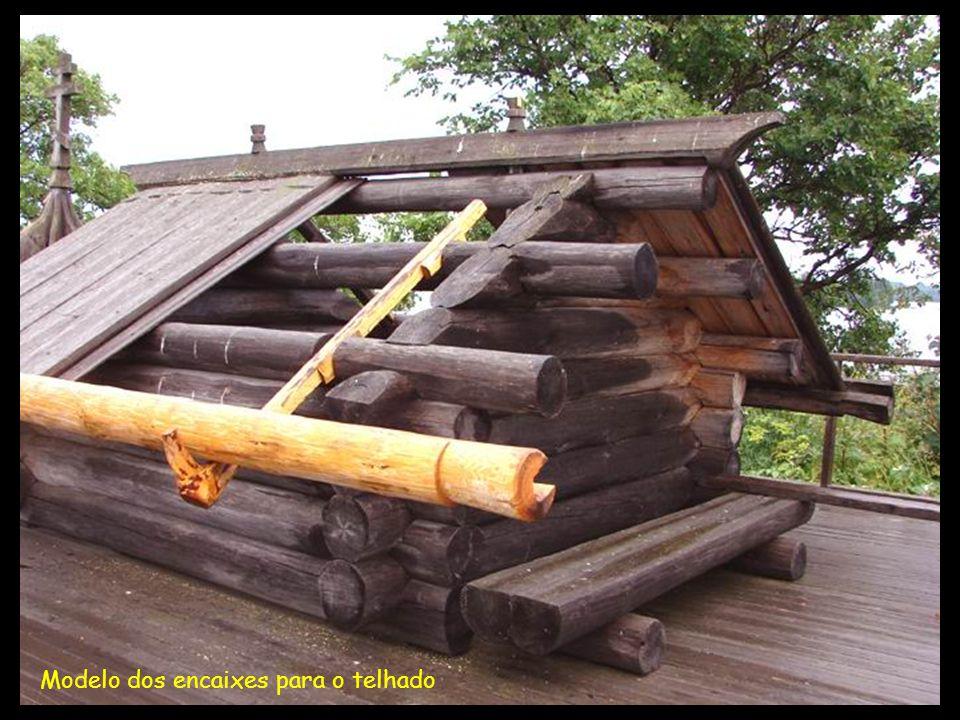 Modelo dos encaixes para o telhado