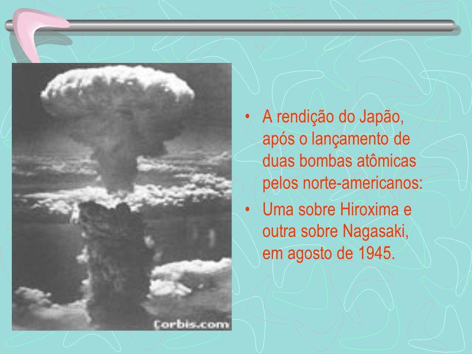 A rendição do Japão, após o lançamento de duas bombas atômicas pelos norte-americanos: