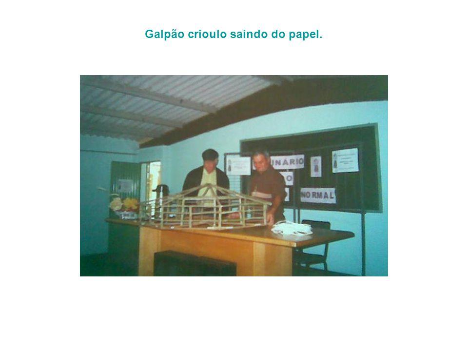 Galpão crioulo saindo do papel.
