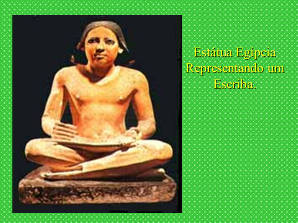 Estátua Egípcia Representando um Escriba.