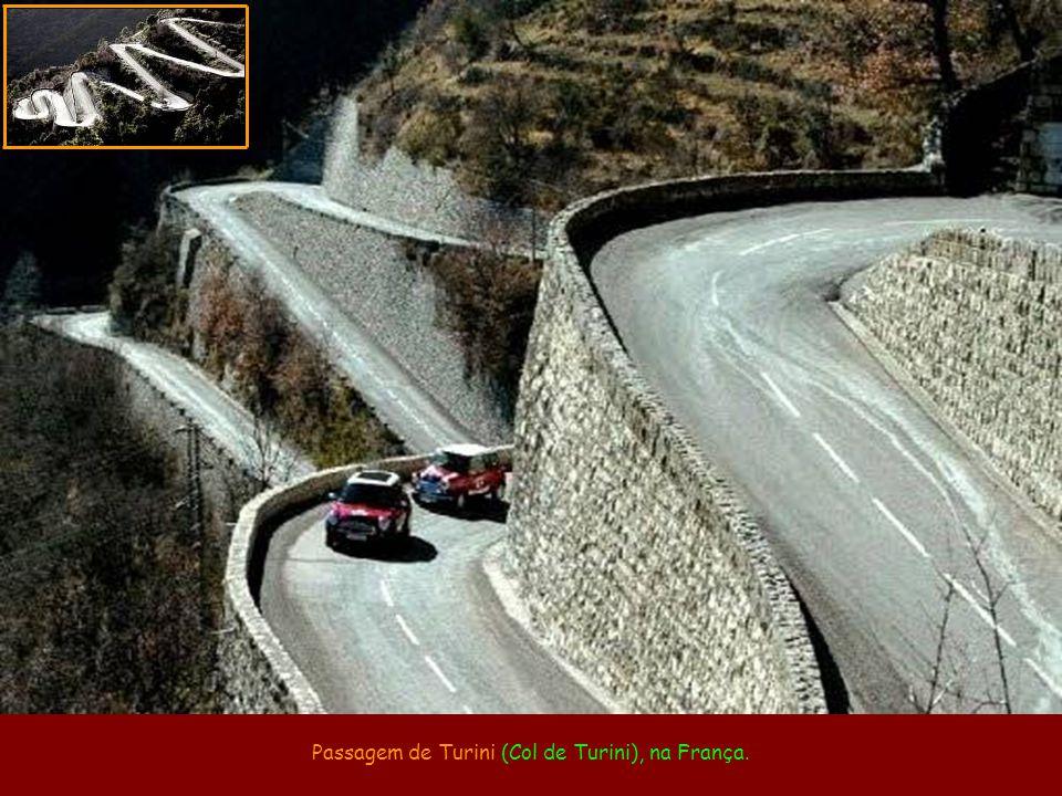 Passagem de Turini (Col de Turini), na França.