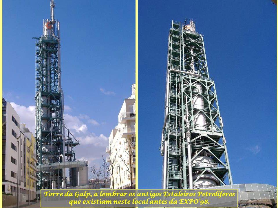Torre da Galp, a lembrar os antigos Estaleiros Petrolíferos que existiam neste local antes da EXPO'98.