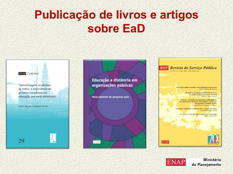 Publicação de livros e artigos sobre EaD