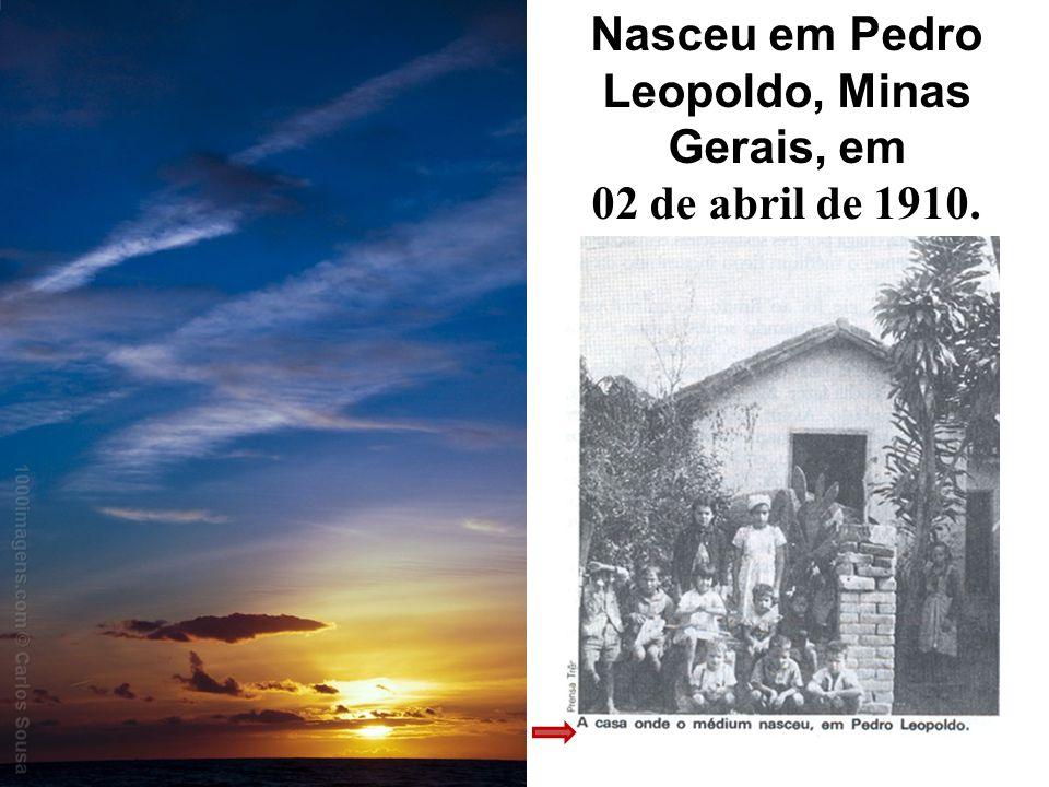 Nasceu em Pedro Leopoldo, Minas Gerais, em 02 de abril de 1910.