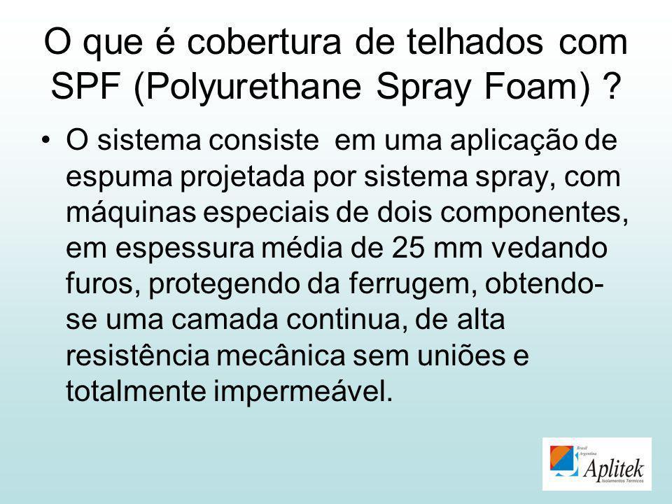O que é cobertura de telhados com SPF (Polyurethane Spray Foam)