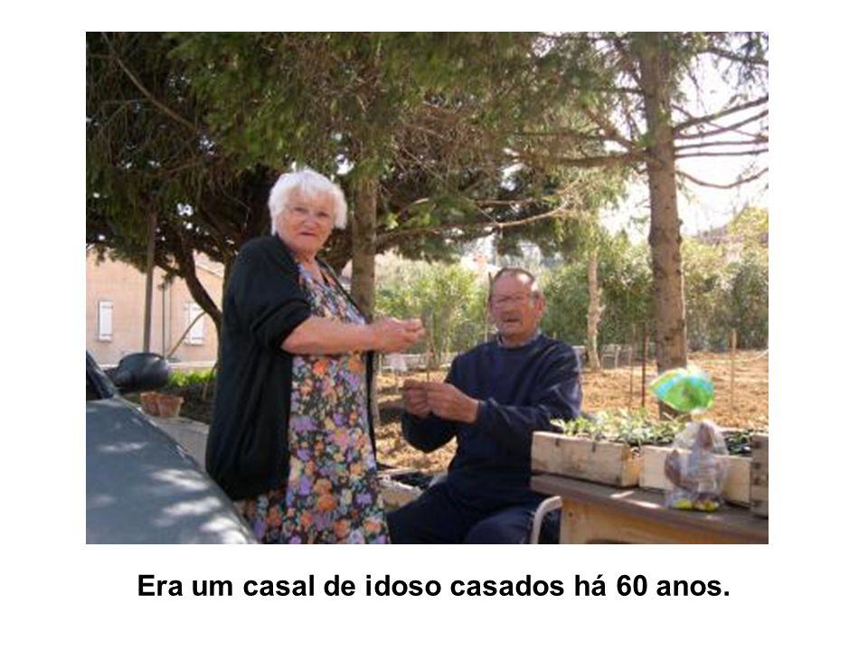 Era um casal de idoso casados há 60 anos.