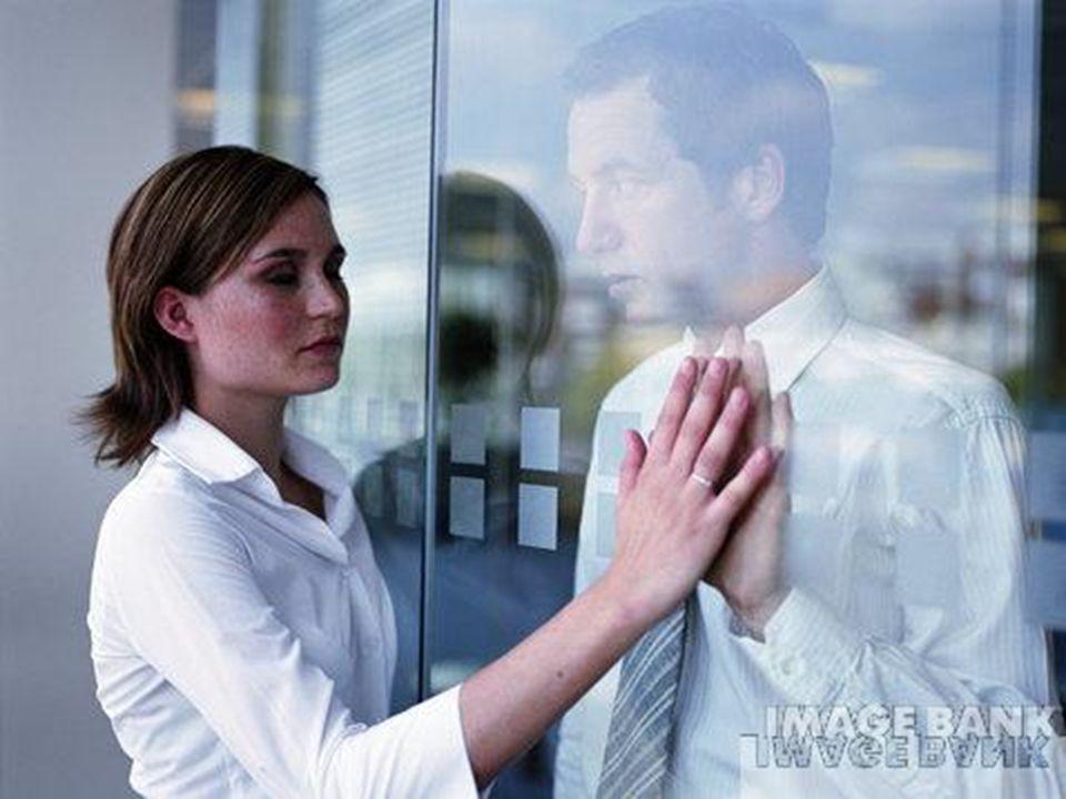 Portanto, quando o sofrimento bater à sua porta, não lamente nem se inquiete, seja apenas testemunha da dor.