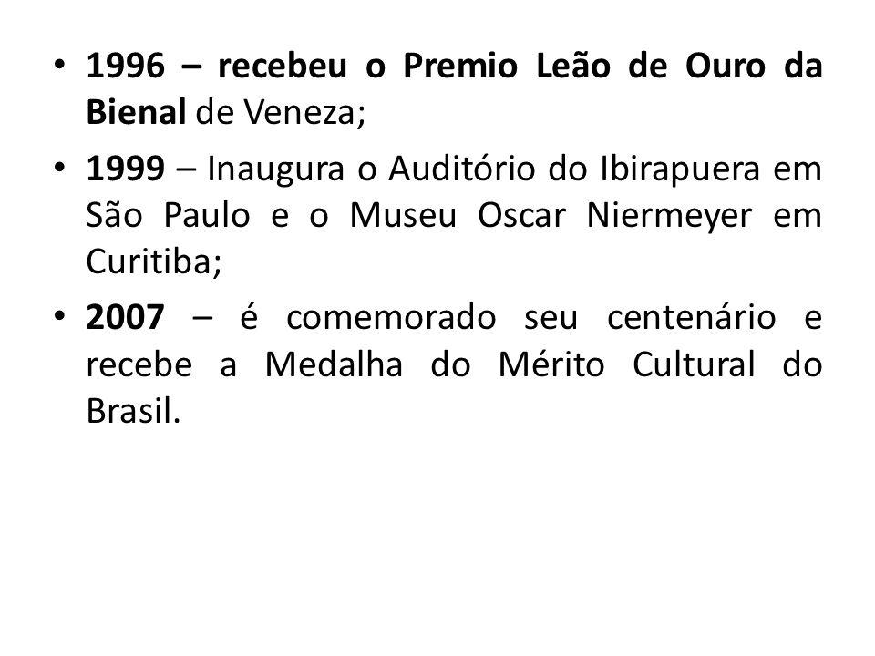 1996 – recebeu o Premio Leão de Ouro da Bienal de Veneza;