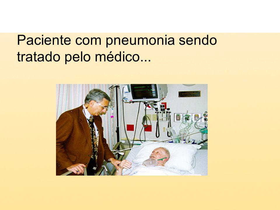 Paciente com pneumonia sendo tratado pelo médico...