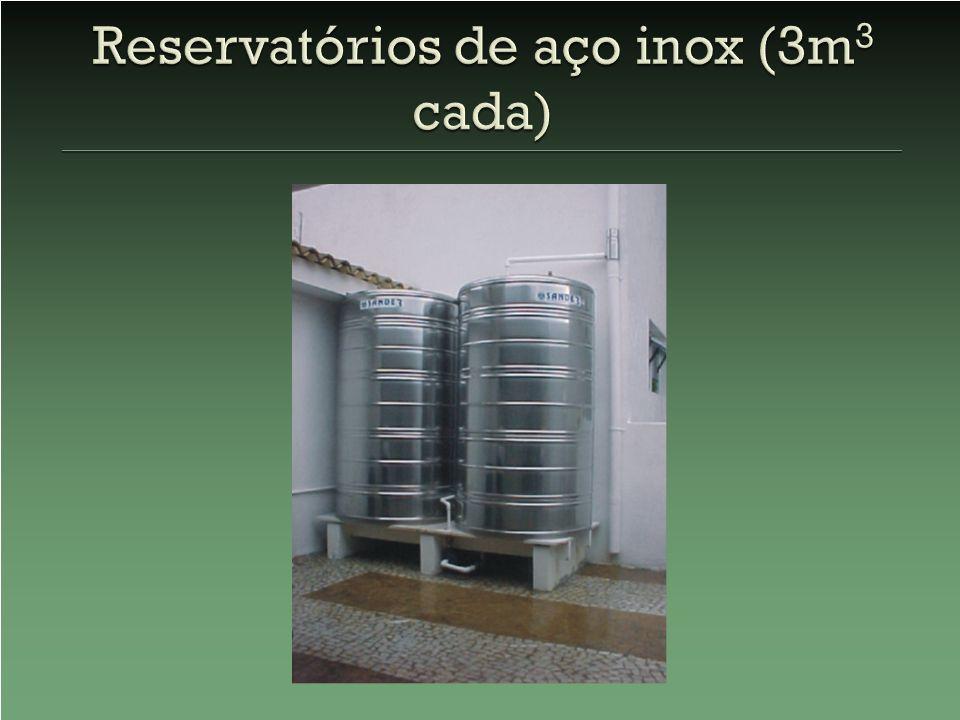 Reservatórios de aço inox (3m3 cada)