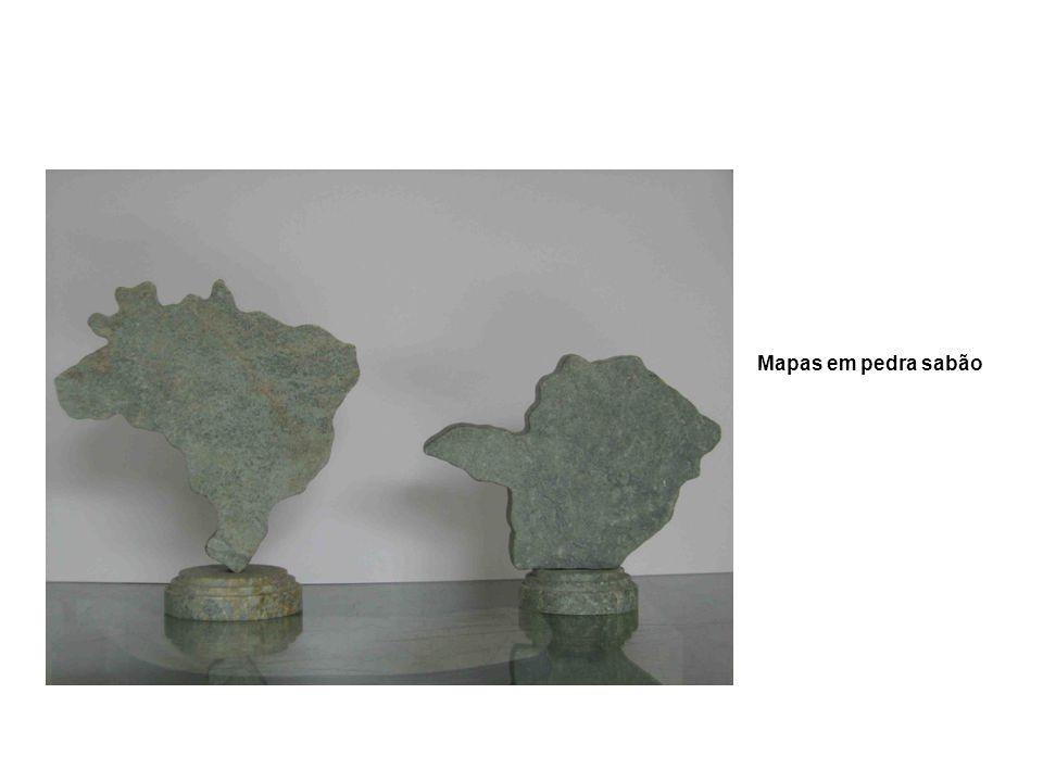 Mapas em pedra sabão