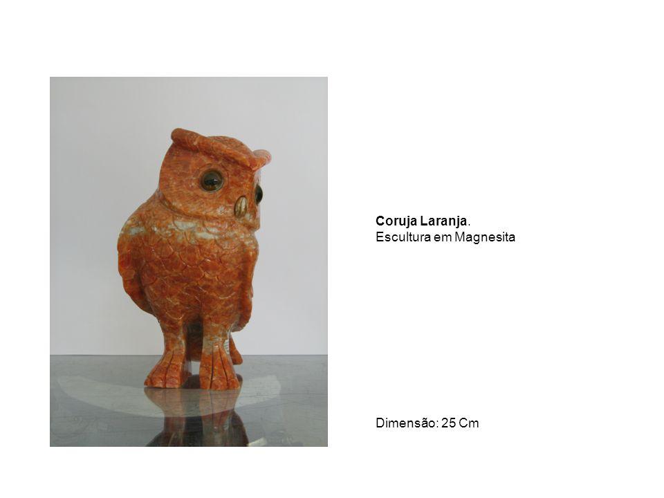 Coruja Laranja. Escultura em Magnesita Dimensão: 25 Cm