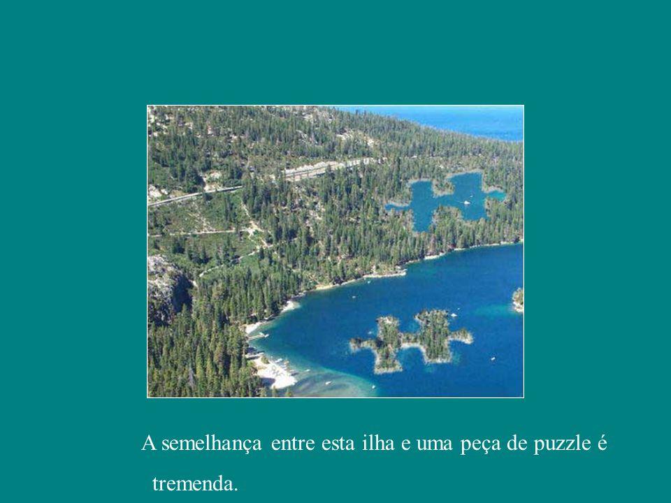 A semelhança entre esta ilha e uma peça de puzzle é