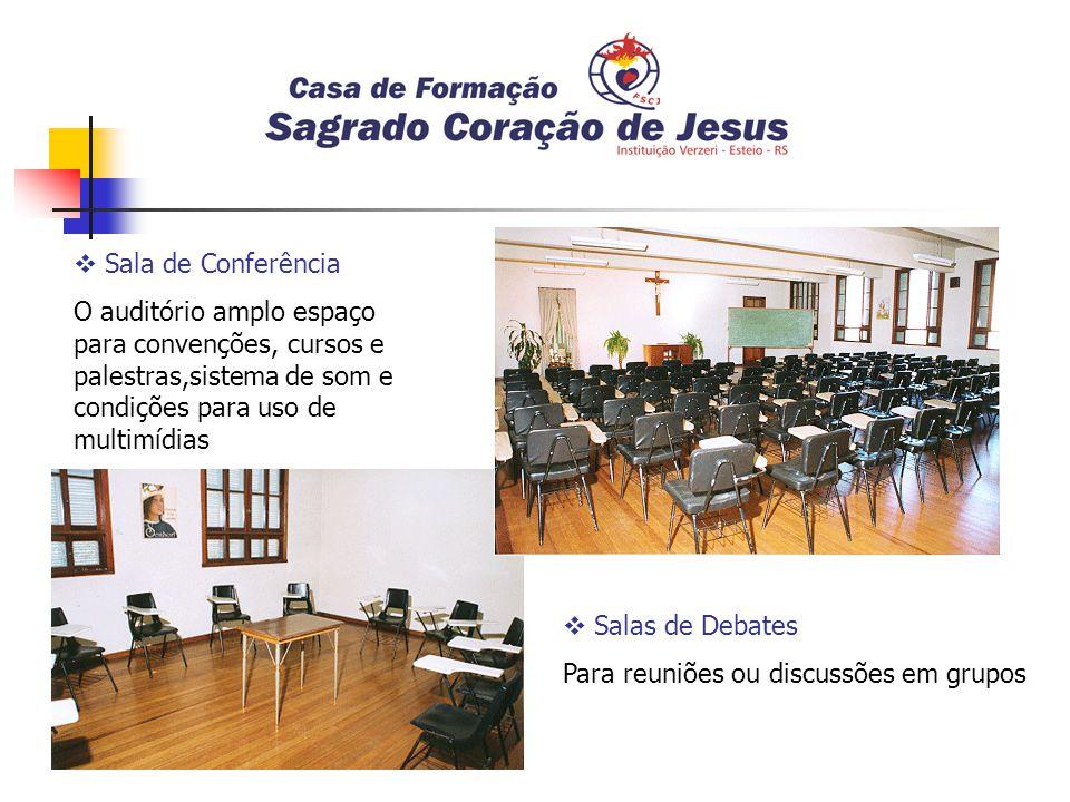 Sala de Conferência O auditório amplo espaço para convenções, cursos e palestras,sistema de som e condições para uso de multimídias.
