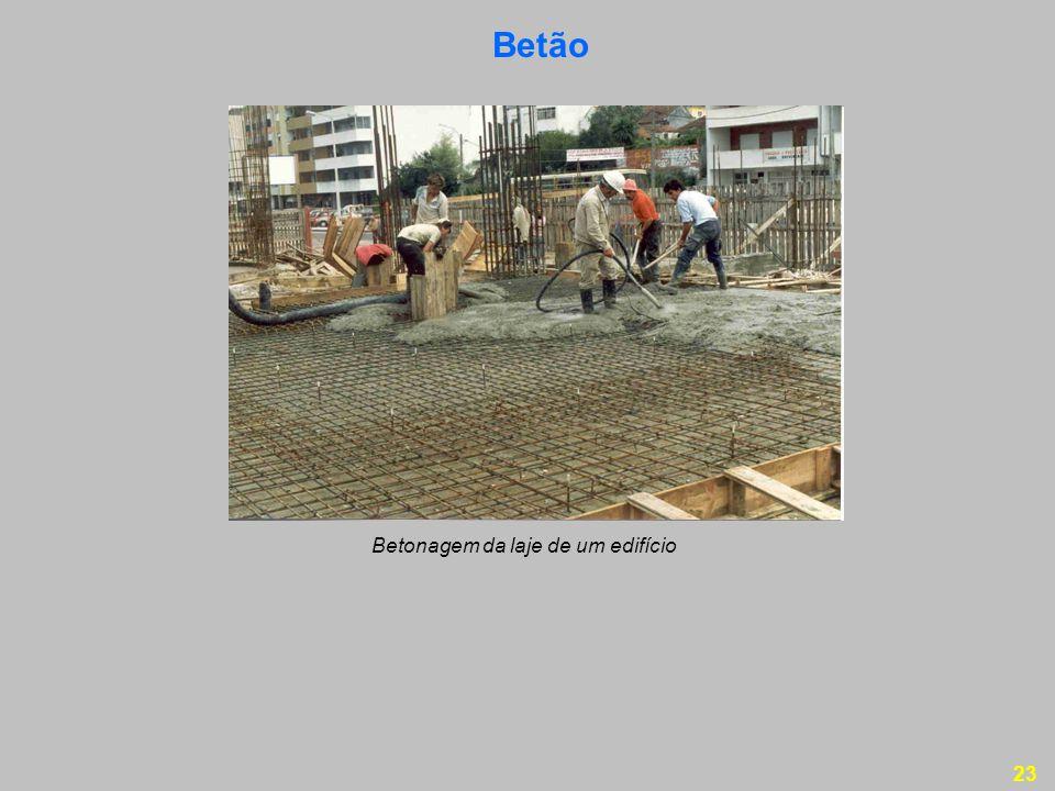 Betão Betonagem da laje de um edifício
