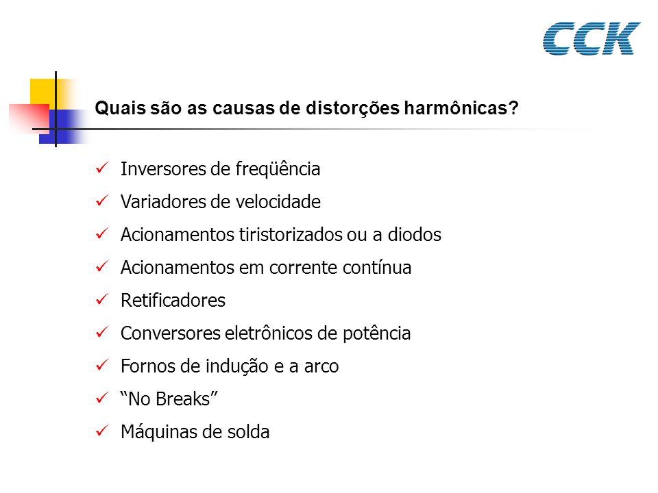 Quais são as causas de distorções harmônicas
