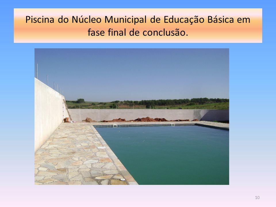 Piscina do Núcleo Municipal de Educação Básica em fase final de conclusão.