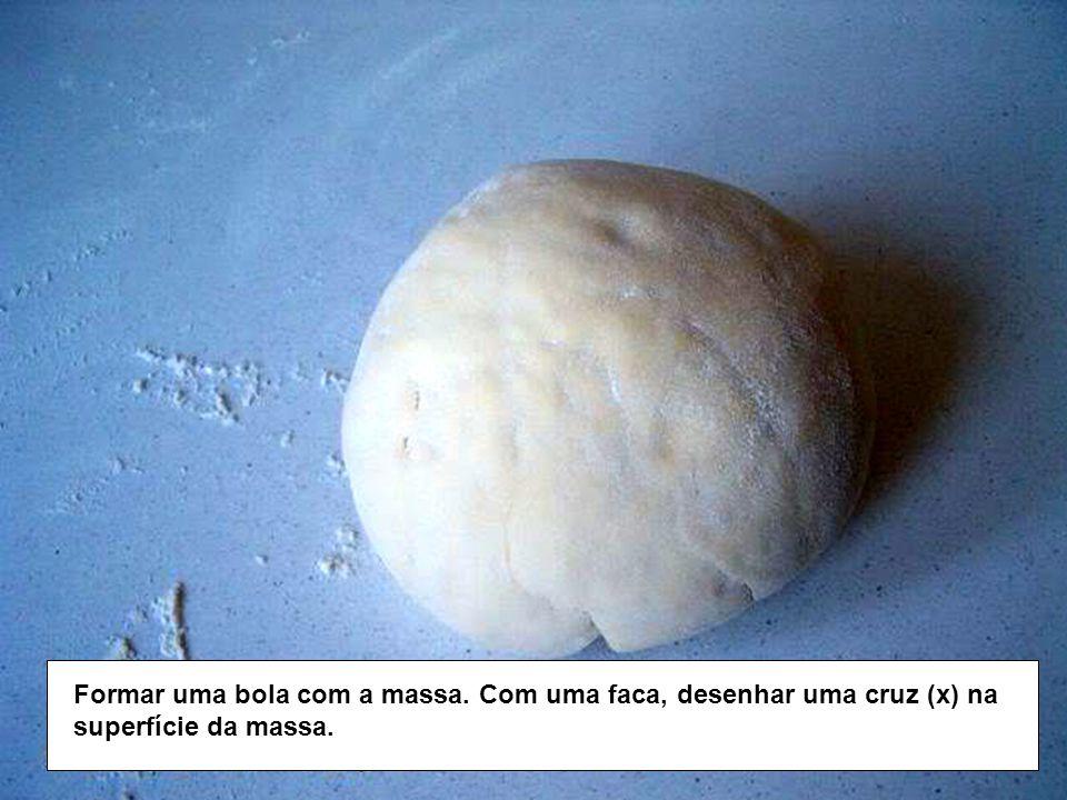 Formar uma bola com a massa