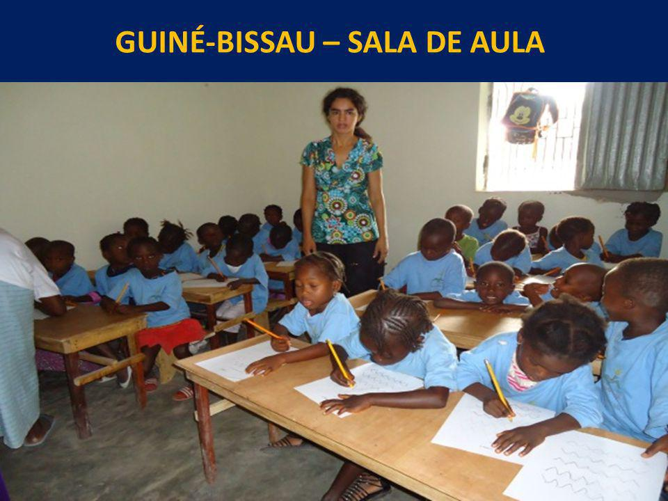 GUINÉ-BISSAU – SALA DE AULA