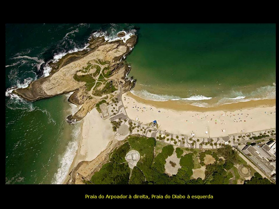 Praia do Arpoador à direita, Praia do Diabo à esquerda