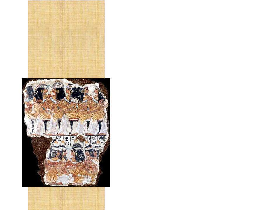 A primeira grande cultura a infundir a música em sua sociedade foi o Egito Antigo. Todos os tipos de celebrações eram cheios com música e dança. Como em qualquer festa haviam dançarinas, cantores e músicos tocando flautas , harpas, tambores, símbalos e tamborins. Durante os festivais e festas religiosas a dança e a música eram uma prática bastante difundida. Em muitas pinturas nos interiores de tumbas e em papiros podemos ver cenas interessantes de mulheres tocando e dançando.
