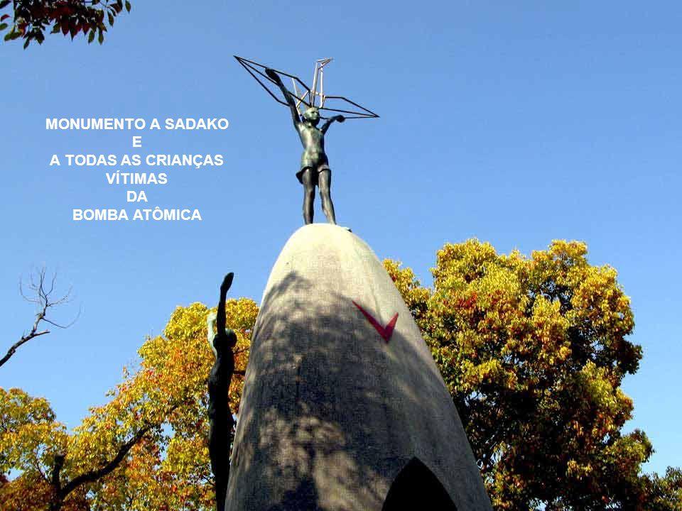 MONUMENTO A SADAKO E A TODAS AS CRIANÇAS VÍTIMAS DA BOMBA ATÔMICA