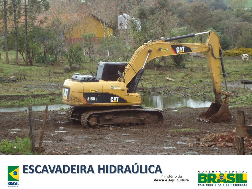 ESCAVADEIRA HIDRAÚLICA