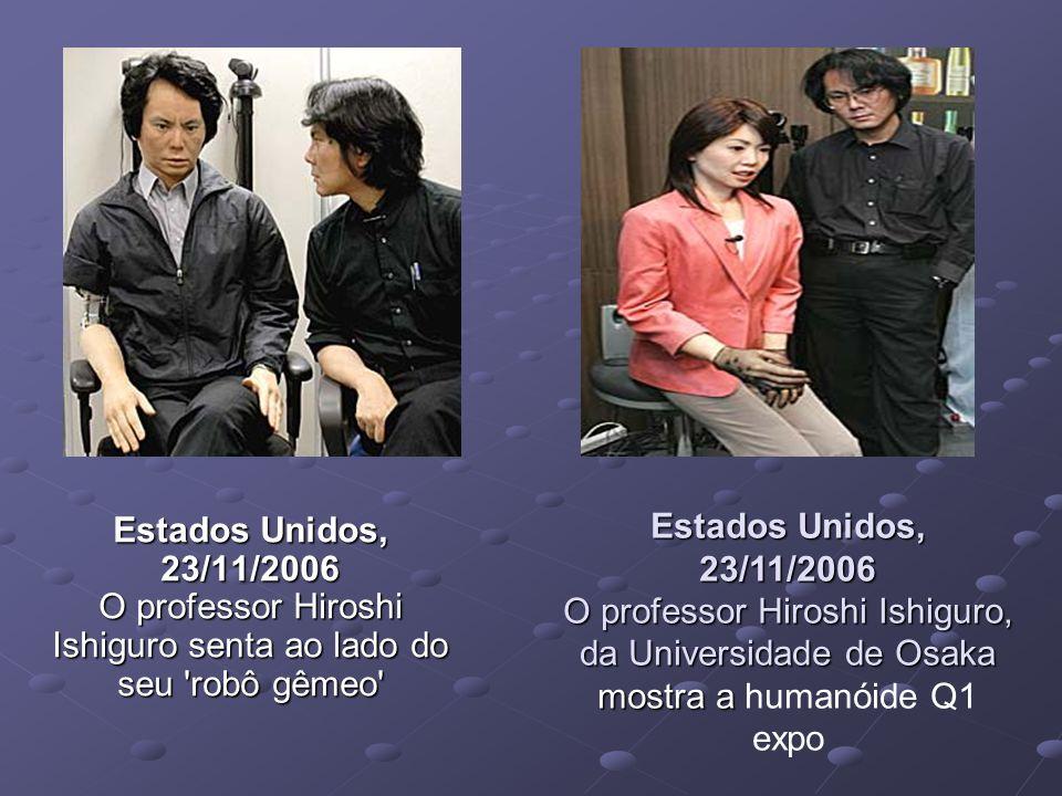 Estados Unidos, 23/11/2006 O professor Hiroshi Ishiguro, da Universidade de Osaka mostra a humanóide Q1 expo