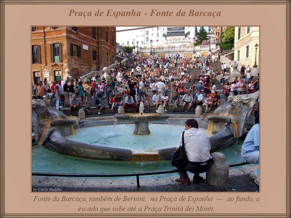 Praça de Espanha - Fonte da Barcaça