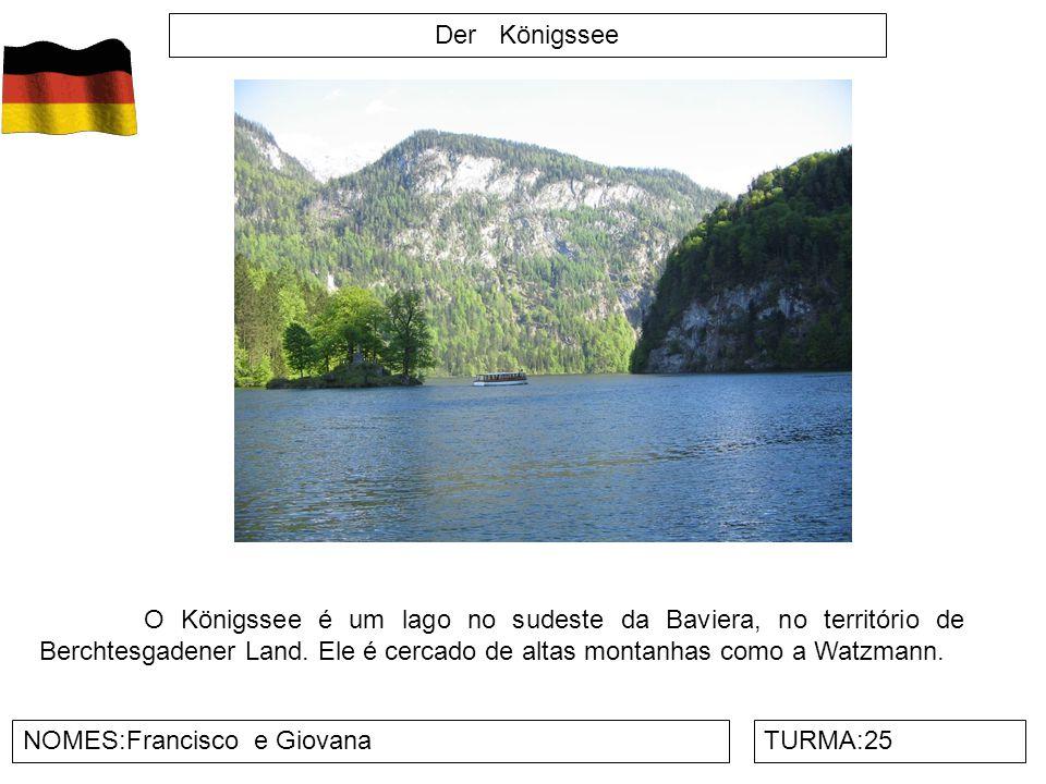 Der Königssee O Königssee é um lago no sudeste da Baviera, no território de Berchtesgadener Land. Ele é cercado de altas montanhas como a Watzmann.