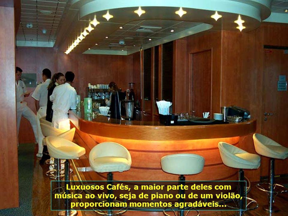 P0009682 - GRAND VOYAGER - CAFÉS-700