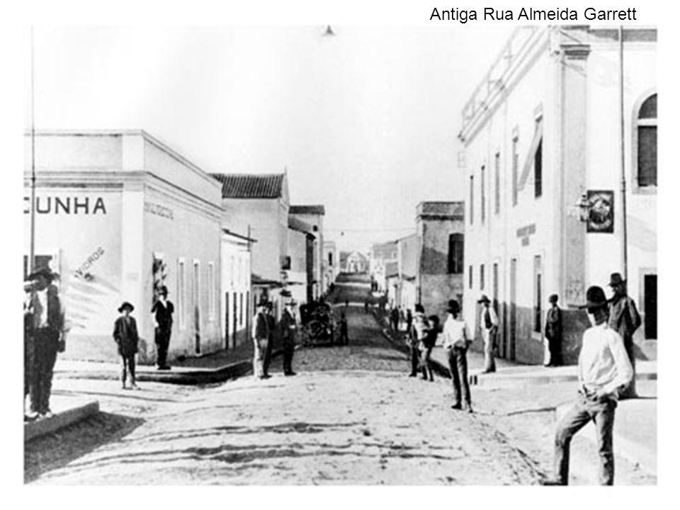 Antiga Rua Almeida Garrett