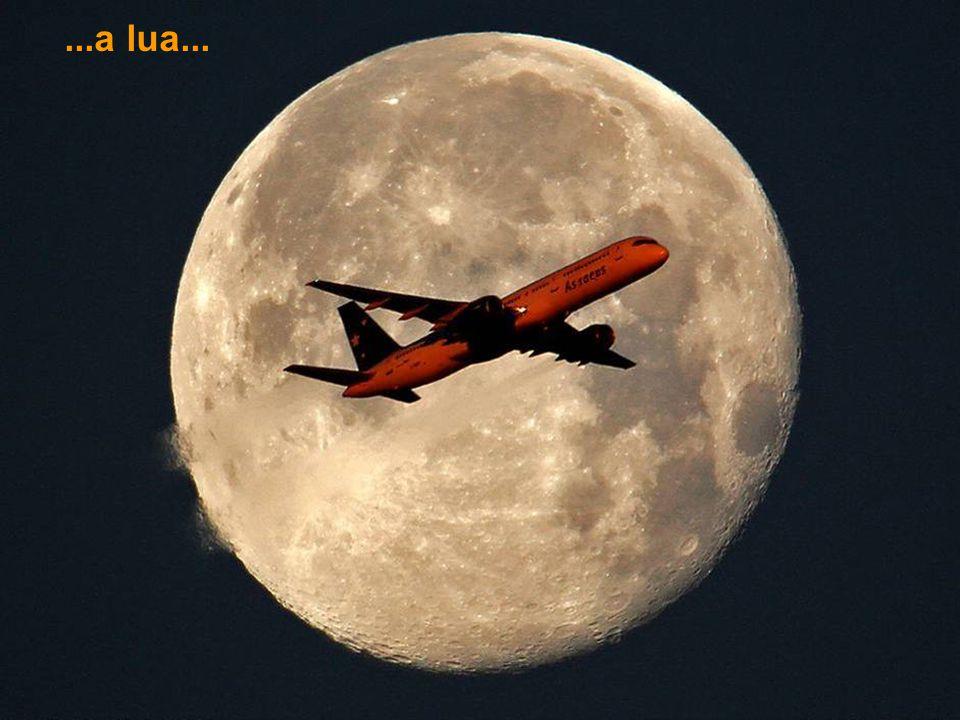 ...a lua...