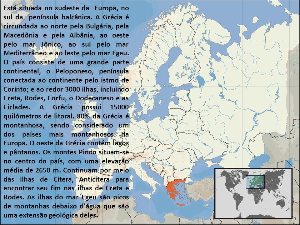 Está situada no sudeste da Europa, no sul da península balcânica