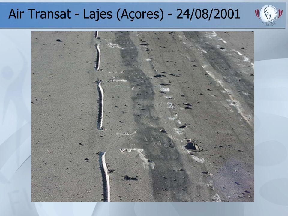 Air Transat - Lajes (Açores) - 24/08/2001
