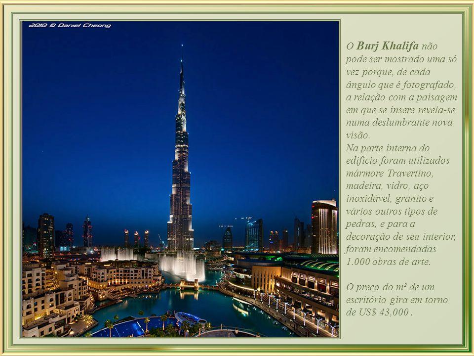 O Burj Khalifa não pode ser mostrado uma só vez porque, de cada ângulo que é fotografado, a relação com a paisagem em que se insere revela-se numa deslumbrante nova visão.