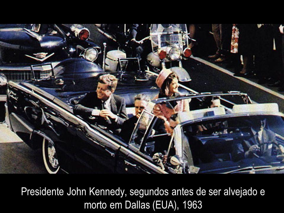 Presidente John Kennedy, segundos antes de ser alvejado e morto em Dallas (EUA), 1963