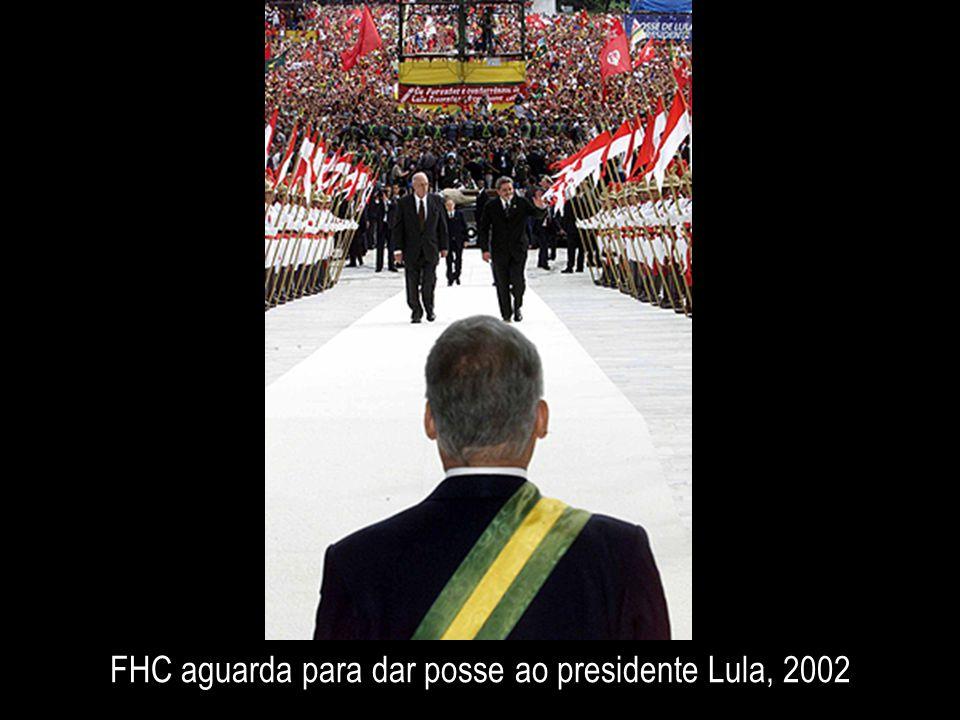 FHC aguarda para dar posse ao presidente Lula, 2002