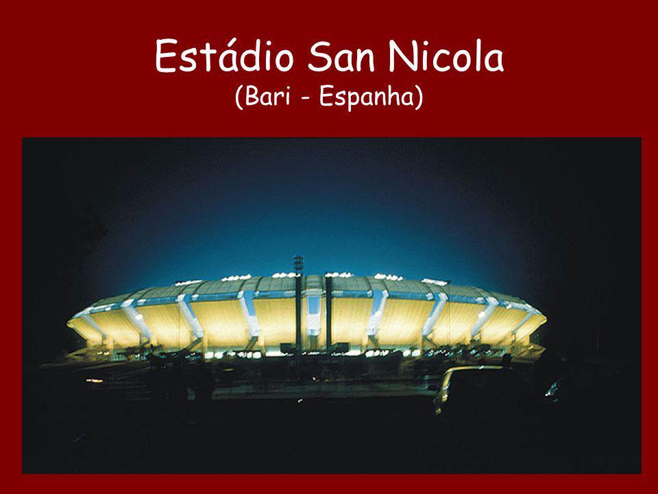 Estádio San Nicola (Bari - Espanha)